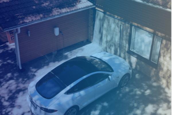 Sähköauton kotilataus